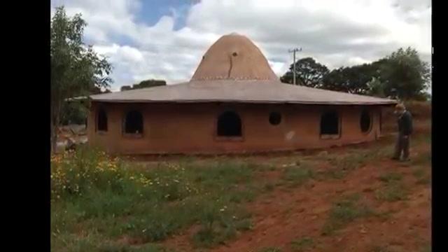 La casa del sombrerero, casas de adobe